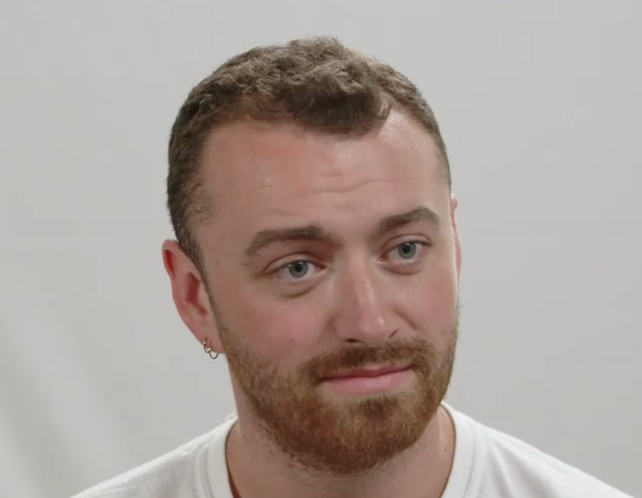 Celebrities: Sam Smith Talks about Struggle with Body Image