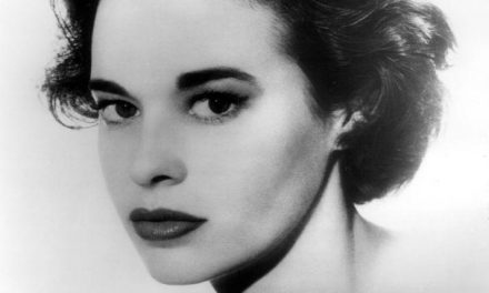 News: Gloria Vanderbilt, Anderson Cooper's Mother, Dies at 95