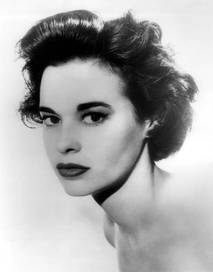 Gloria_Vanderbilt_1959
