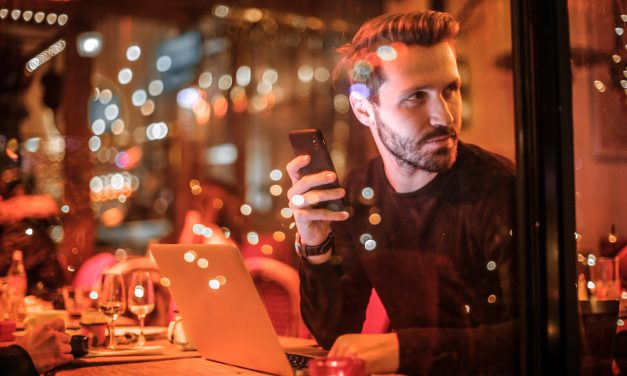 Dating: Why Do Gay Men Lie About Their Age on Dating Apps?